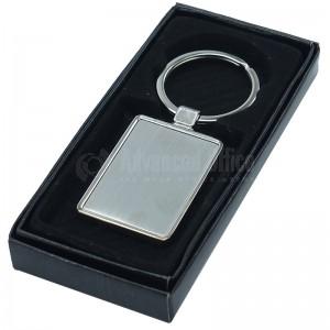 Porte clé métallique triangulaire argent Contour chromé