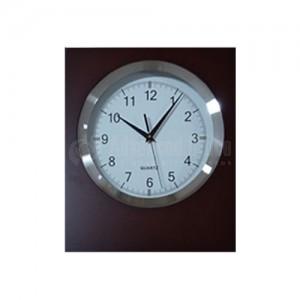 Horloge murale analogique en bois
