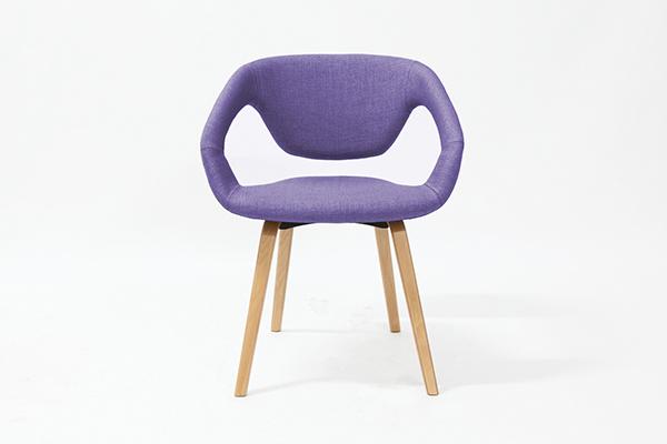 Chaise Visiteur MODUS pietement en bois avec accoudoir, Violet